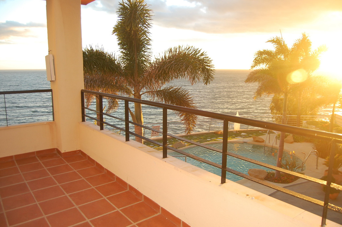 This amazing 3 bedroom apartment in one of the most sought after Costa del Sol locations with 115 sq, Spain