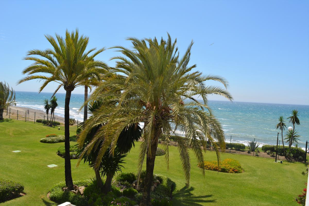 Magnificent duplex penthouse facing the sea with beautiful views to the beach from all rooms of the , Spain