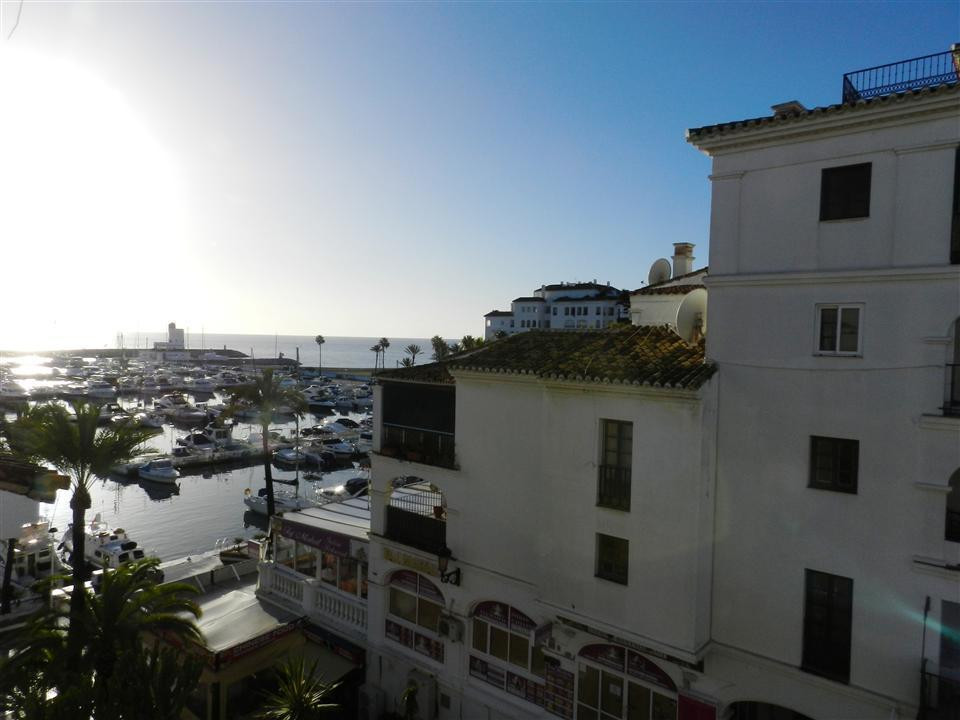 In the marina of Puerto de la Duquesa, 75m2 house, with two bedrooms, and two bathrooms, kitchen and, Spain