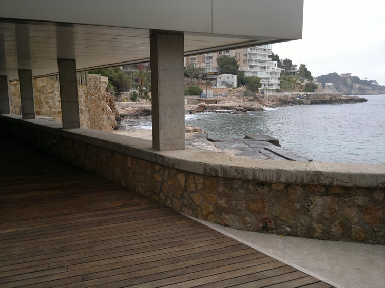Spectacular seaside ground floor of 190m2, with 140m2 of covered trraza teak floor marina, has 3 bed,Spain