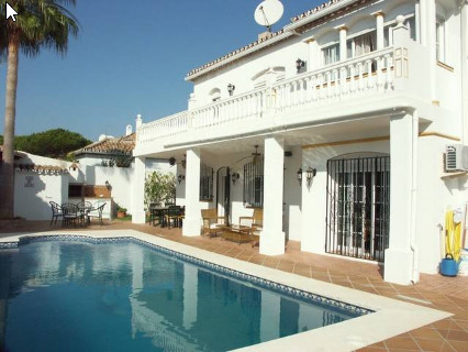 BEACH SIDE VILLA BETWEEN PUERTO BANUS AND ESTEPONA.   Luxurious 5-bedroom property at one of the BES,Spain