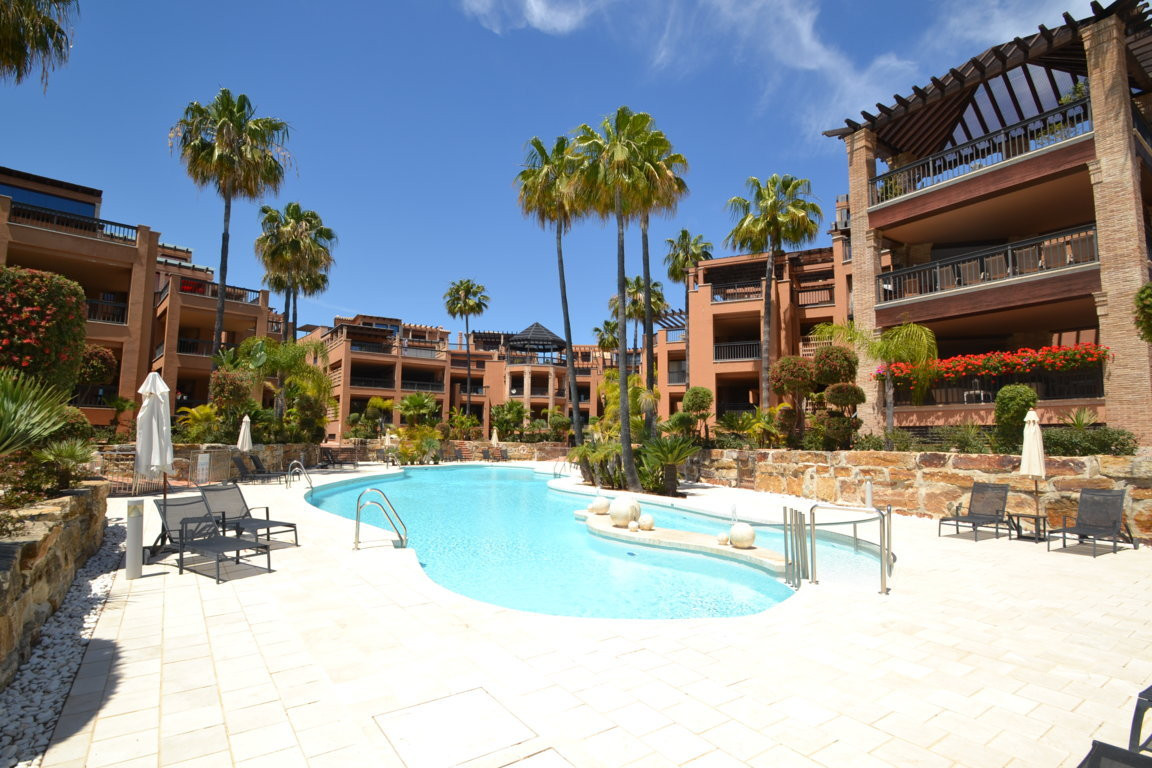 Duplex with 4 bedrooms on 1st beach line  Duplex apartment in front beach line and surrounded by chi, Spain