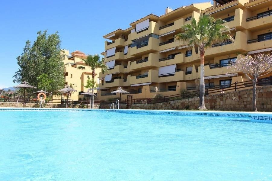 Nice apartment with sea views for sale at New Golden Mile, Estepona, Costa del Sol. in excellent con, Spain