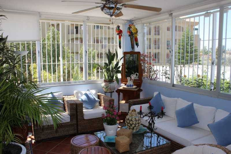 BARGAIN ! Very large 2 bedrooms apartment, living of 45m2, covered terrace of 30m2, new kitchen.  Mi,Spain