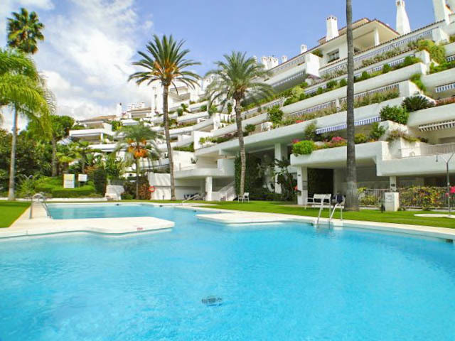 Very large 2 bedroom ground floor apartment in a well known and popular urbanisation only a few minu, Spain