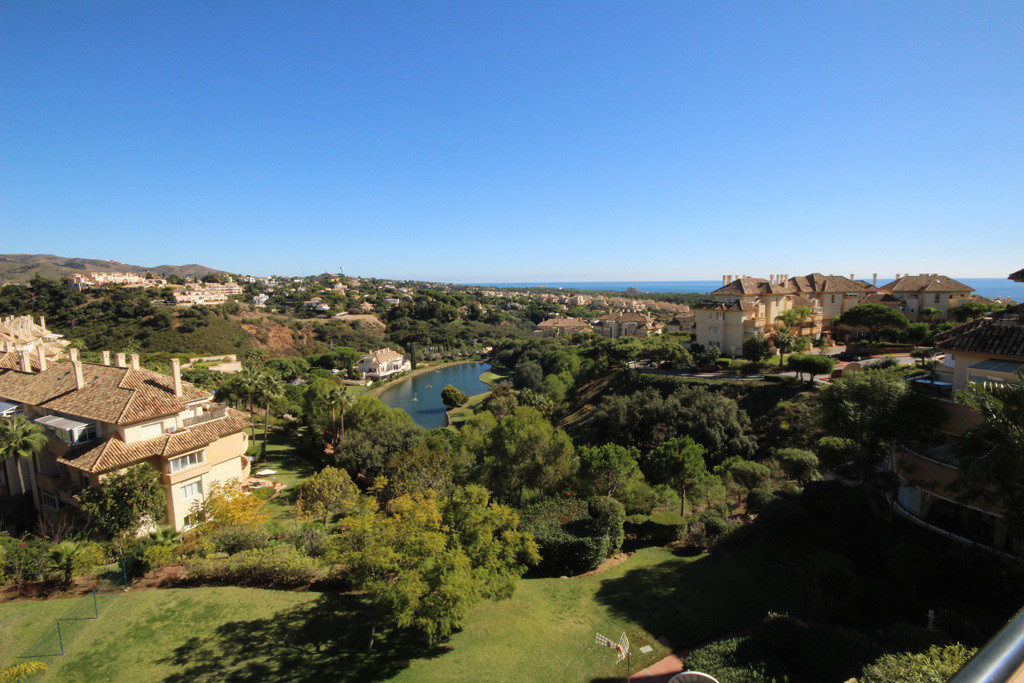 The 2nd floor 2-bedroom 2-bathroom apartment within the sought-after and award winning Elviria Hills, Spain