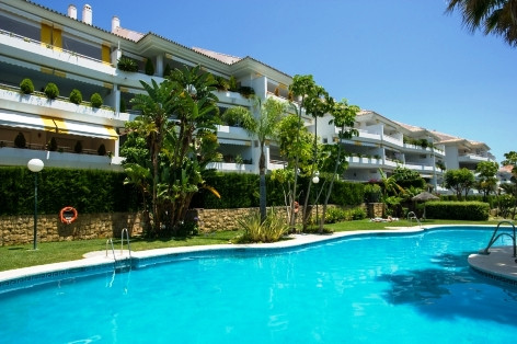 * Guadalmina Baja, Marbella. apartment in top condition and never rented out,  located in a front li Spain