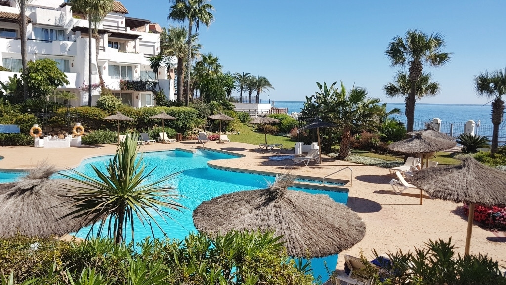 Bright and impeccable apartment on the ground floor in corner of Ventura del Mar. Apartment in front,Spain