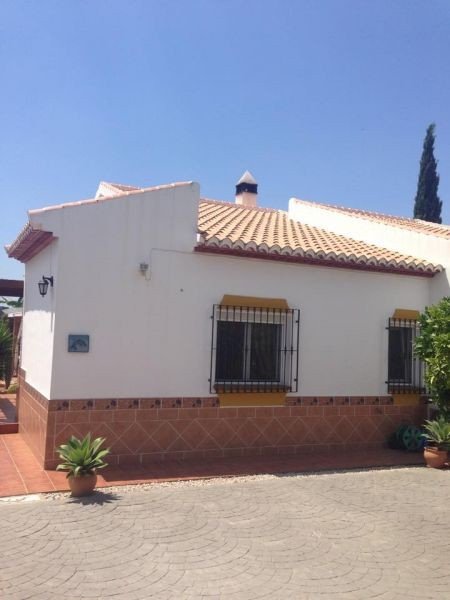 This lovely villa is located in a very quiet zone of Venta Baja.The accommodation comprises 3 bedroo,Spain