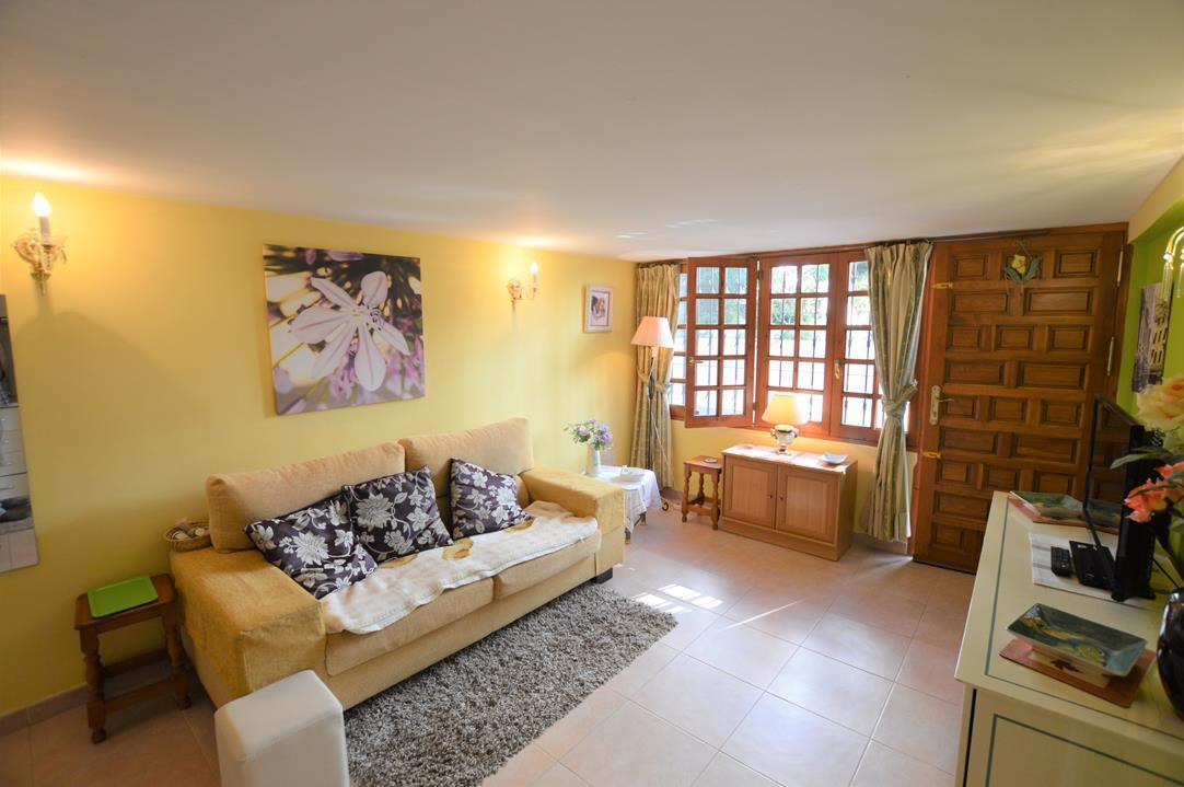 JUST REDUCED!! GREAT 1 BED APARTMENT IN THE HEART OF FUENGIROLA, 2 MINUTES FROM THE BEACH, TRAIN AND,Spain