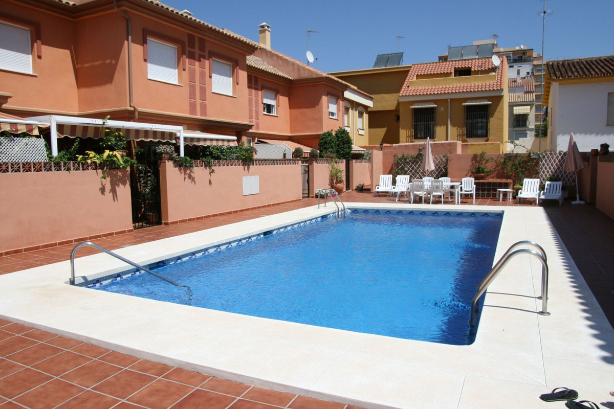 IBI; 700�/ year         Community; 100�/ month          Rubbish; 144�/ year  semi detached Townhouse,Spain