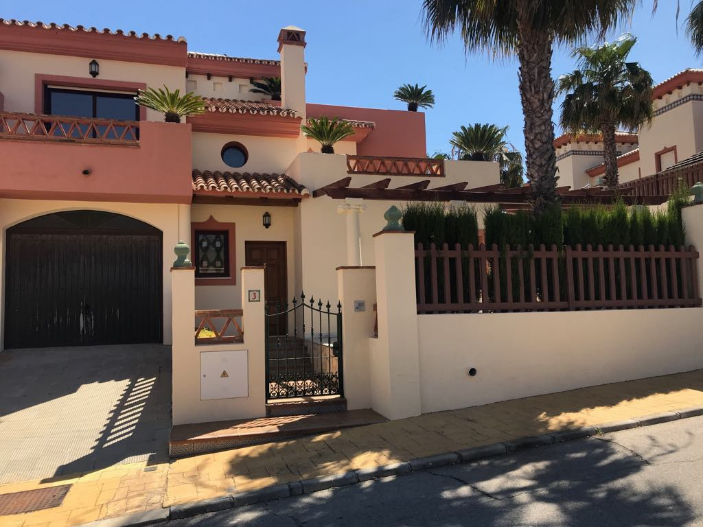 Luxury new semi-detached house in urb. Los Nebrales, with parking, swimming pool, large terraces, th,Spain
