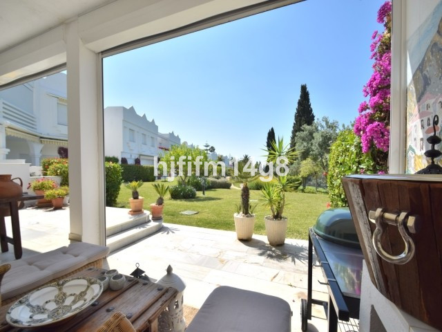 Unique three bedroom townhouse for sale in Los Jarales, a gated community set in the heart of the pr,Spain