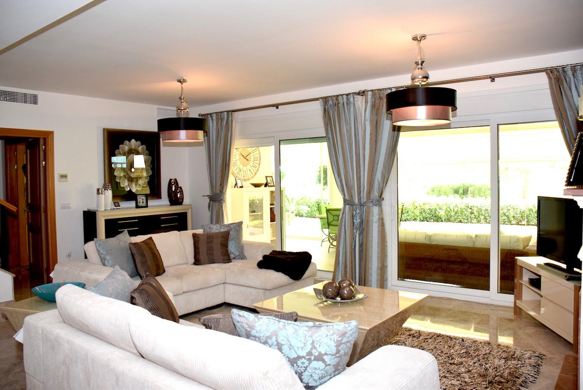 Semi-Detached House, Santa Clara, Costa del Sol. 2 Bedrooms, 2.5 Bathrooms, Built 190 m�, Terrace 12,Spain