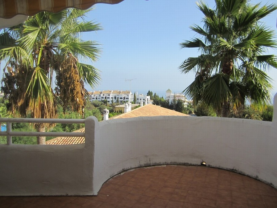 2 bed, 2 bath first floor apartment with a large terrace and stunning views in upper Calahonda. 108 , Spain