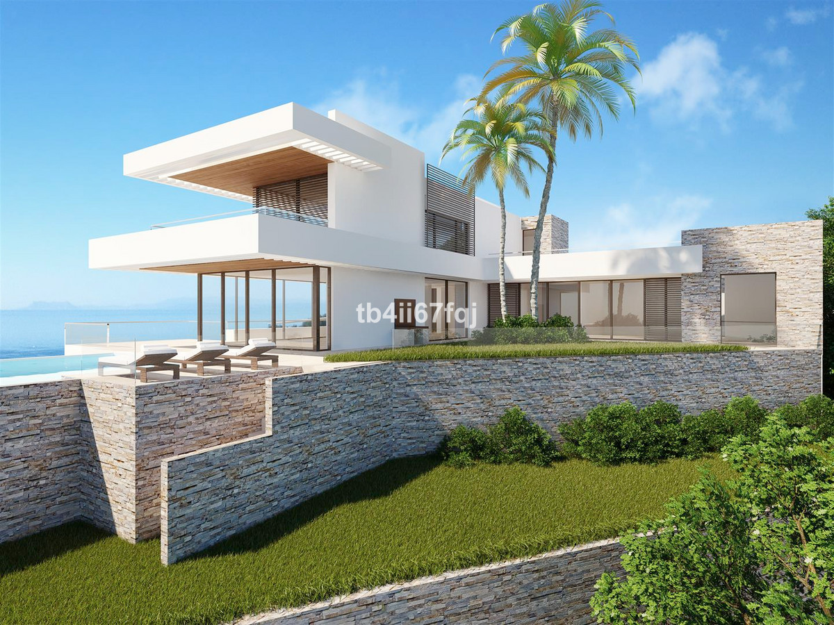 Land with license and project of work to 10 minutes of Marbella. The project of construction of the ,Spain