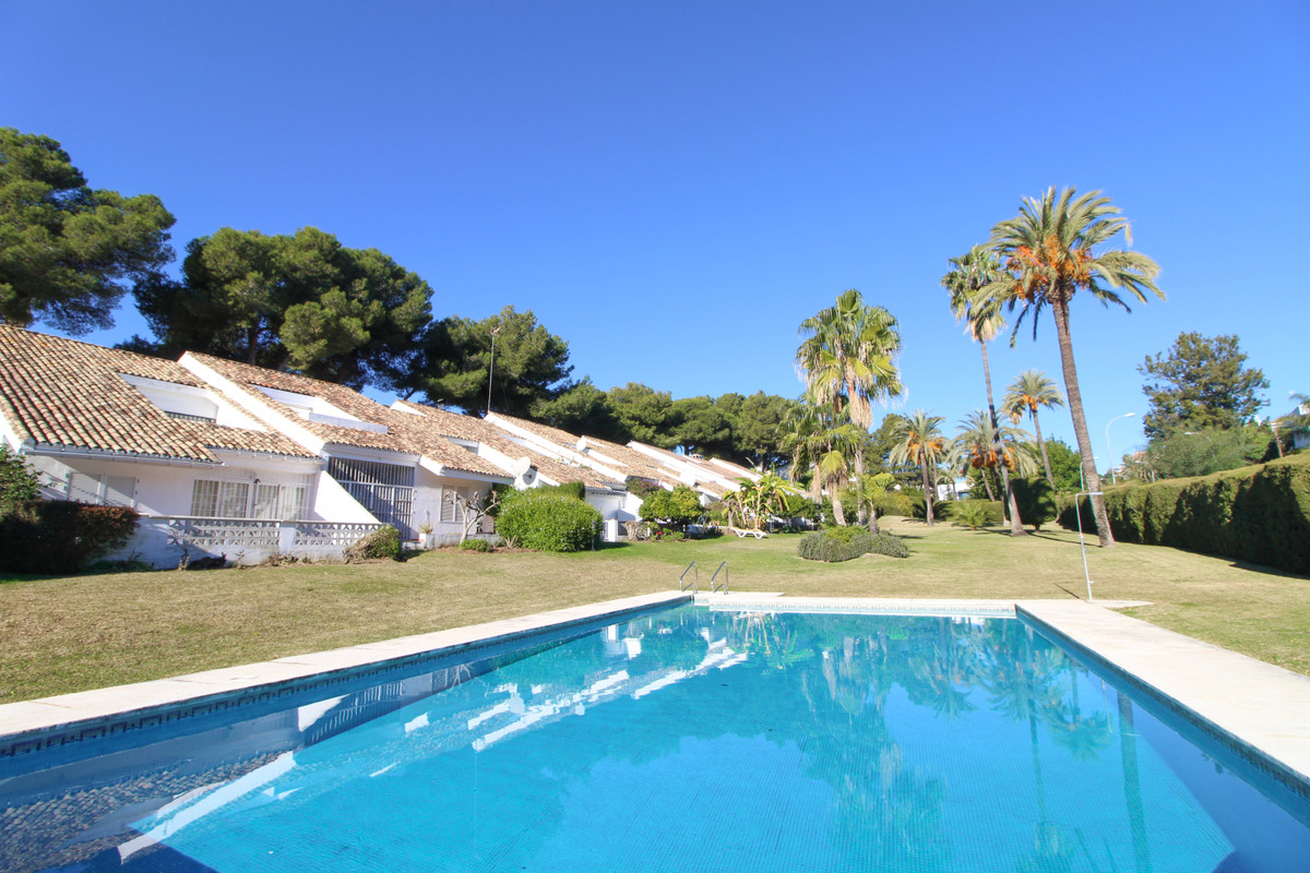 Ideally located end corner ground floor apartment in the heart of Nueva Andalucia, walking distance ,Spain