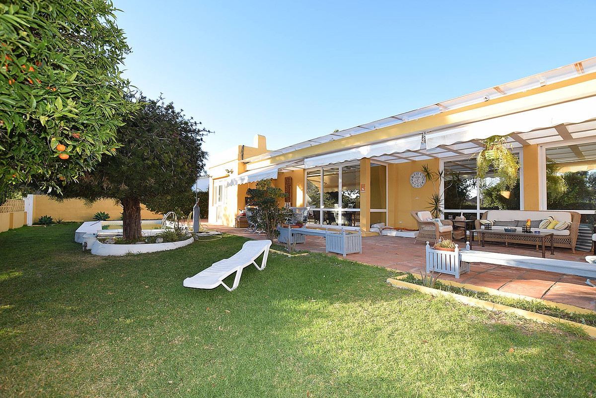 Villa superbly located in the heart of Guadalmina golf, in Guadalmina Alta, close to all amenities a,Spain