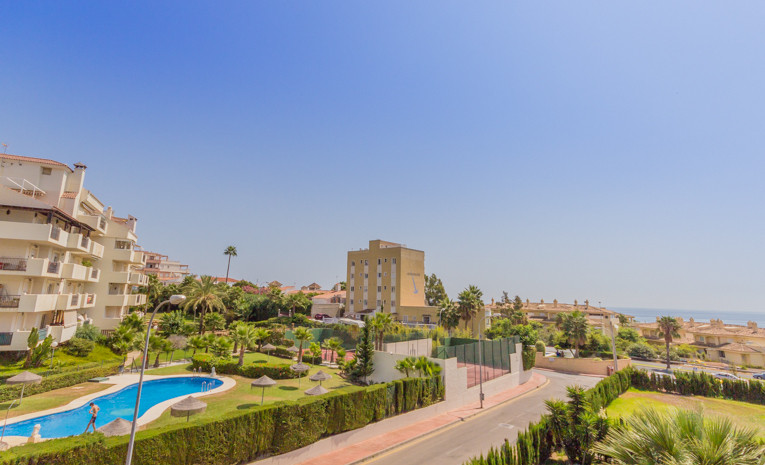 This wonderful bright airy Apartment is situated 2nd line to the beaches in Torrequebrada. There are,Spain