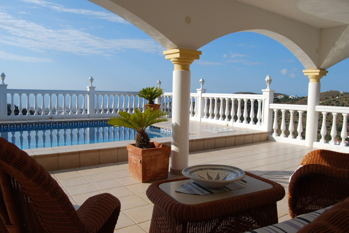 Villa Torrox  Luxury villa with Seaview Beautiful luxury villa with stunning panoramic views, excell,Spain
