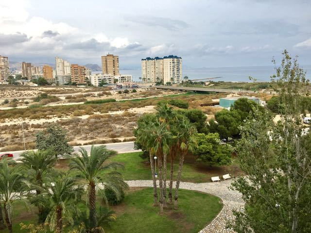 Beautiful apartment with open sea view in a residence with pool and garden, 100 meters from the beac,Spain