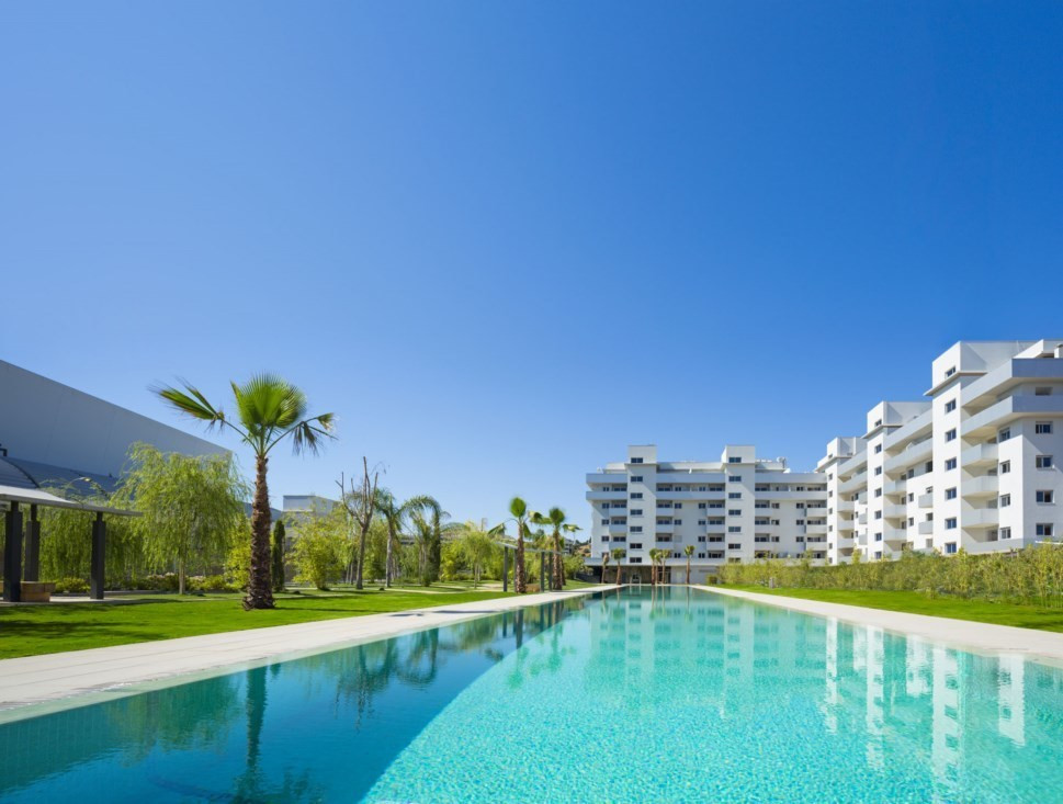 Flat 10 minutes away from the beach with a big terrace of 60m2, independent kitchen and a laundry ro,Spain