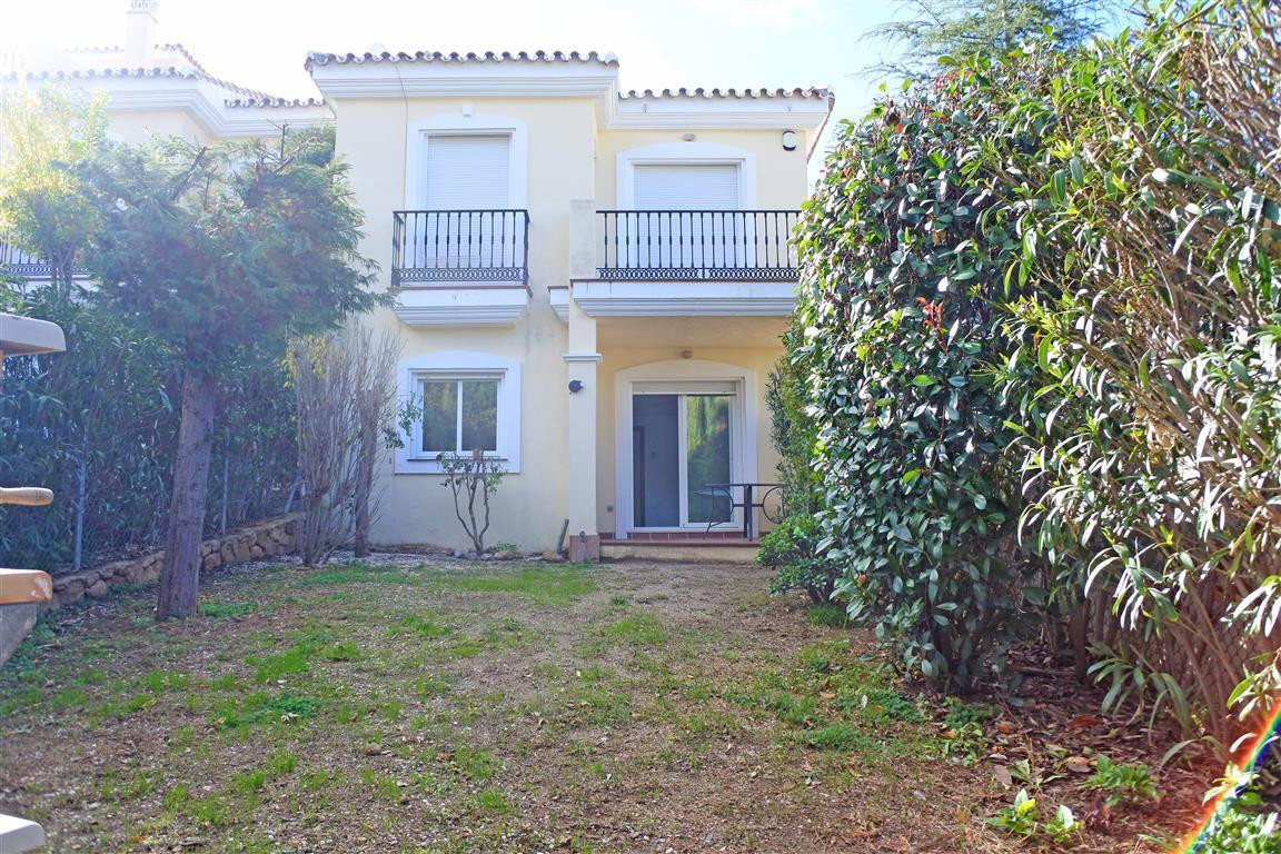 Fantastic townhouse on the prestigious golf resort of Alhaurin Golf. Spacious, bright rooms and many, Spain