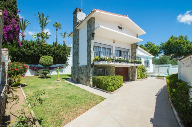OPPORTUNITY. RECENT REDUCTION TO 369.000€!!!  Very nice Villa close to all amenities and just 600 me,Spain