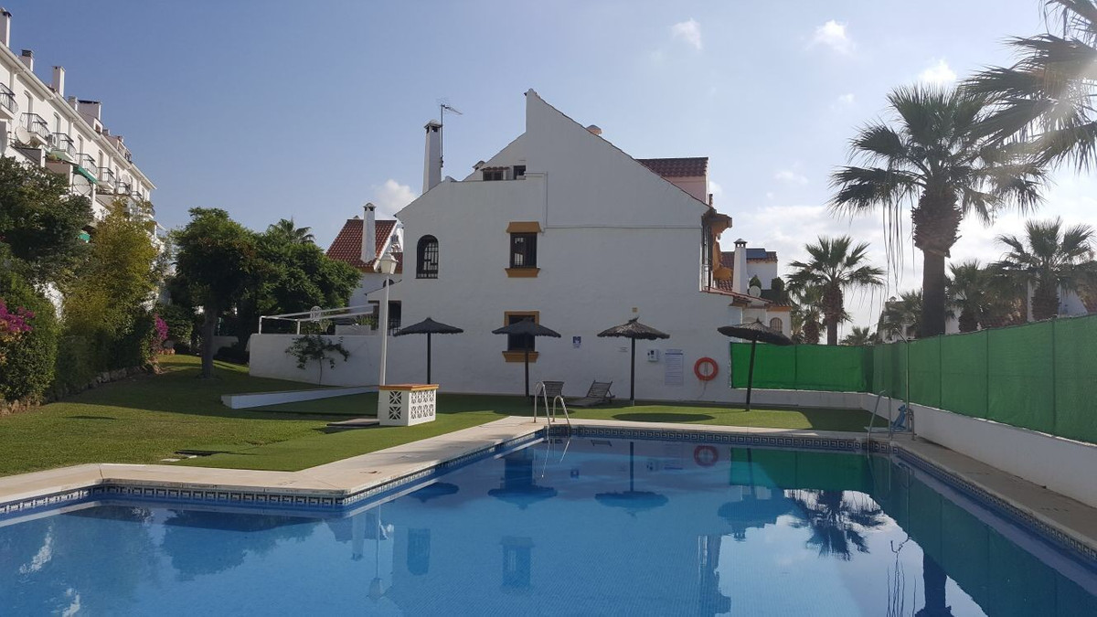 This well priced 4/5 bedroom townhouse has just been reformed to a high standard.  It is located in ,Spain