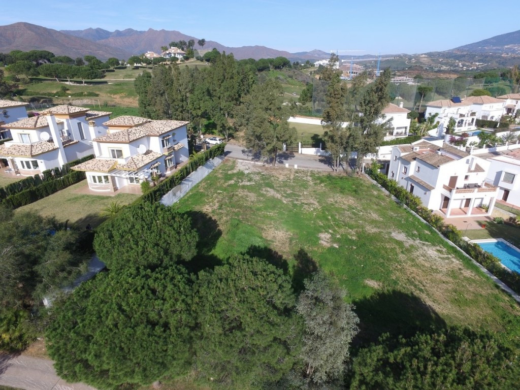 Large and flat plot situated on the frontline golf of the urbanization of Cala Golf.  The plot has e, Spain