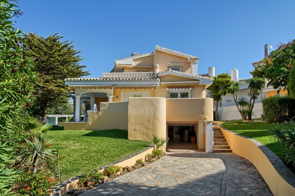 Very nice villa in the beautiful area of Torrequebrada walking distance to the shops, bars, restaura,Spain