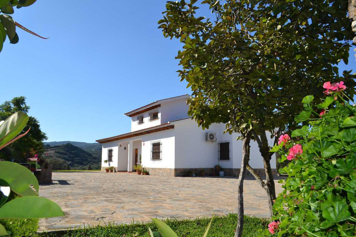 This property is a modern country villa with beautiful views, garden and garage.  With only a few mi, Spain