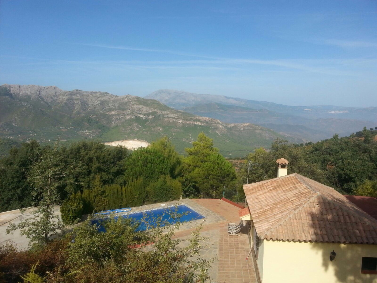 Beautiful 2 Bedroom 2 Bathroom finca in the countryside of Ojen but only a 15 minute drive to the ce,Spain