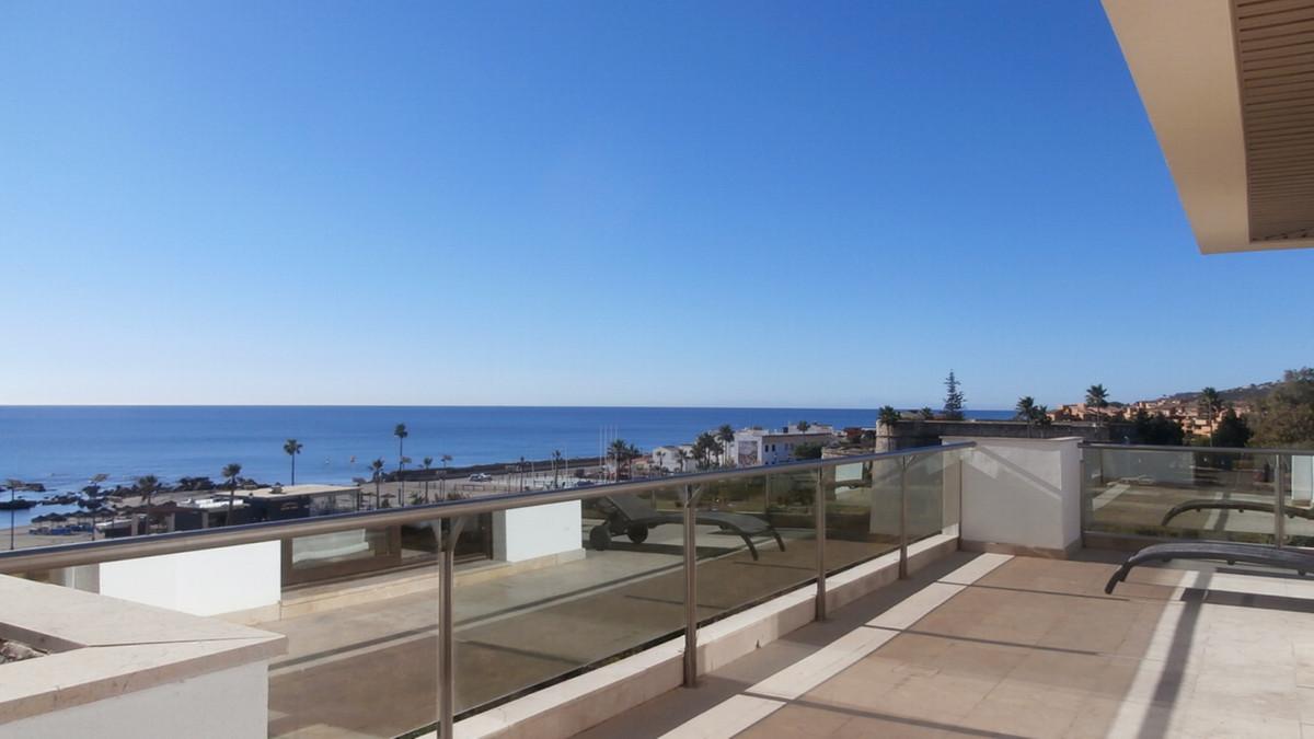 Spectacular fronline beach apartment, Puerto de la Duquesa, panoramic sea, Duquesa Castle and Golf C,Spain