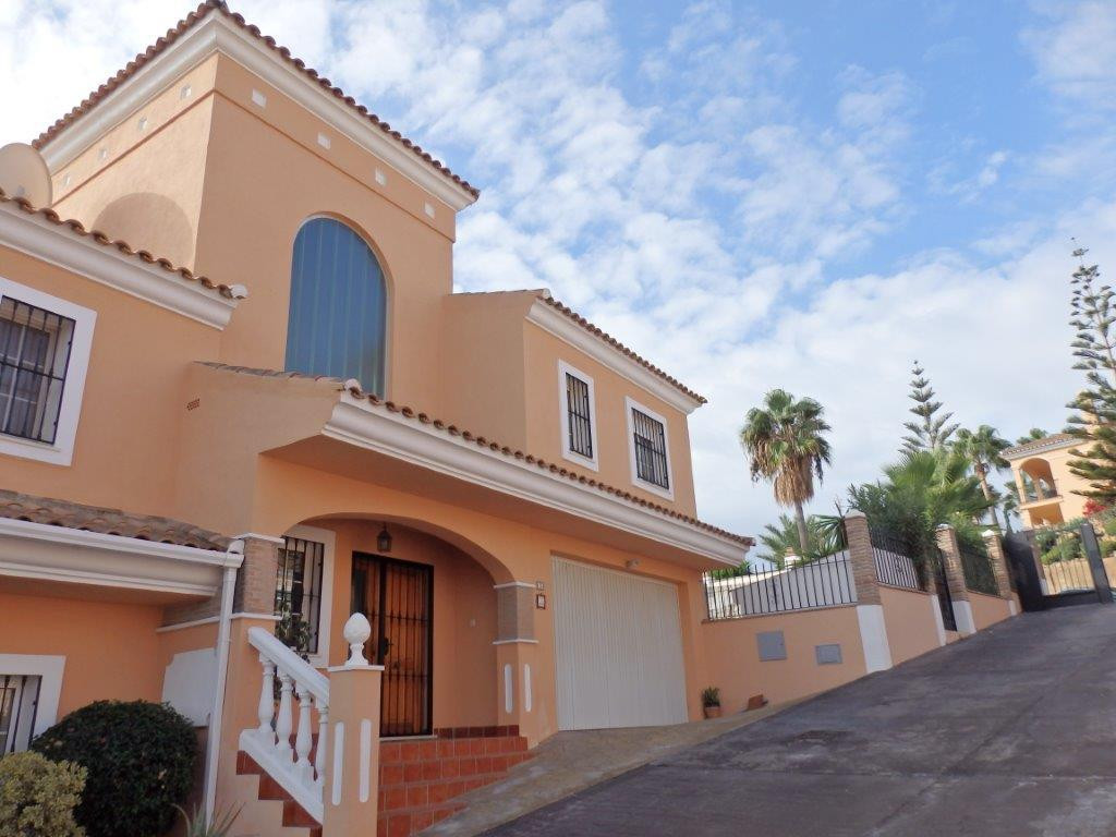 MODERN MOST FANTASTIC END TOWNHOUSE IN   RIVIERA DEL SOL WITH LARGE PRIVATE GARDEN 3 bedrooms 3 bath,Spain