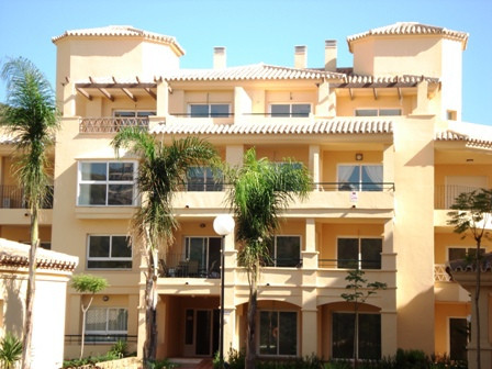 This 1 bedroom apartment is offered for sale fully furnished with en-suite bathroom, fully fitted ki,Spain