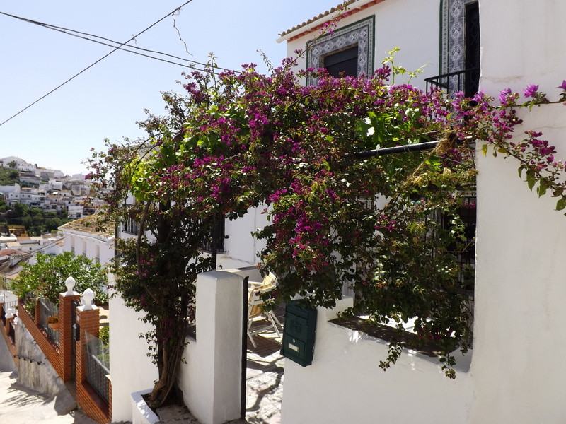 A very well presented large townhouse that has great outdoor space and has been completely refurbish,Spain