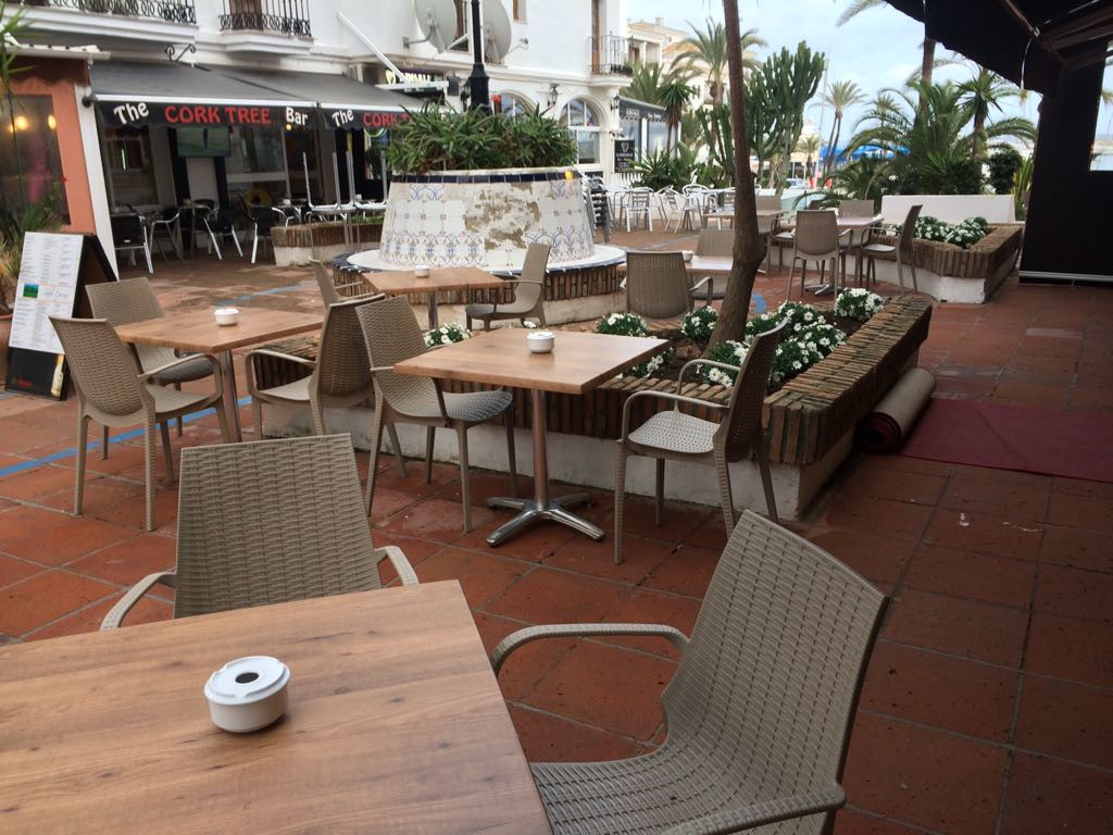 Restaurant, La Duquesa, Costa del Sol. Built 150 m², Terrace 100 m².  Setting : Commercial Area, Bea, Spain