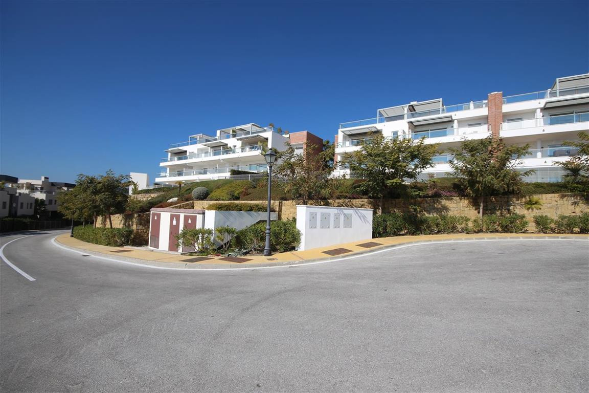 Beautiful 3-bedroom apartment on the edge of Los Arqueros golf.    This modern and spacious 3 bedroo,Spain