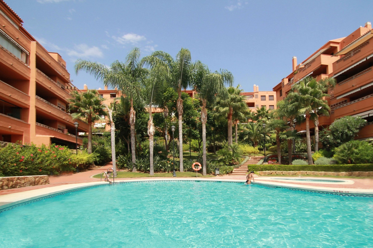 STEPS FROM THE BEACH - This immaculate and very bright West-facing two bedroom corner apartment is l,Spain