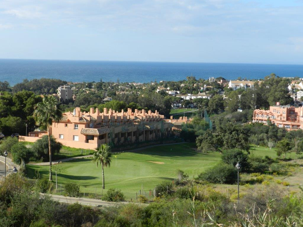 Exclusive plot of land in Artola Alta / Cabopino  with magnificent views to the sea and the Coast.  ,Spain