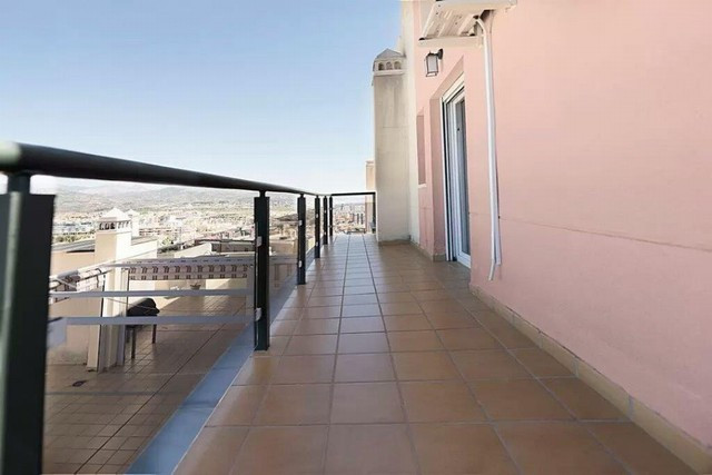 The lovely apartment situated in the popular area of Torre Del Mar has a lot to offer.  Distributed ,Spain