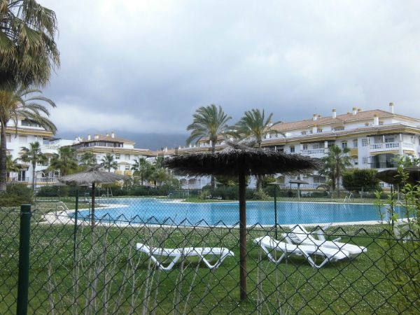 Beautiful penthouse located in one of the most sought after areas in Nueva Andalucia. Located just 5,Spain