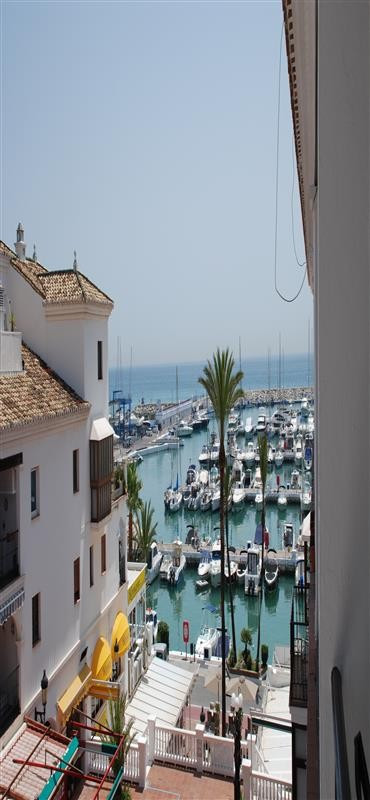 HIGH CLASS FURNISHED DUPLEX PENTHOUSE APARTMENT with 3 bedrooms and 2 renovated bathrooms, fully air,Spain