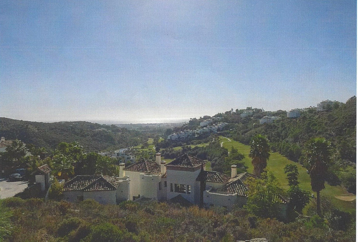 THE LAST BEST PLOT IN LA QUINTA WITH UNINTERRUPTED VIEWS NOW AND IN THE FUTURE!  1065.31 M2  OCCUPAC,Spain