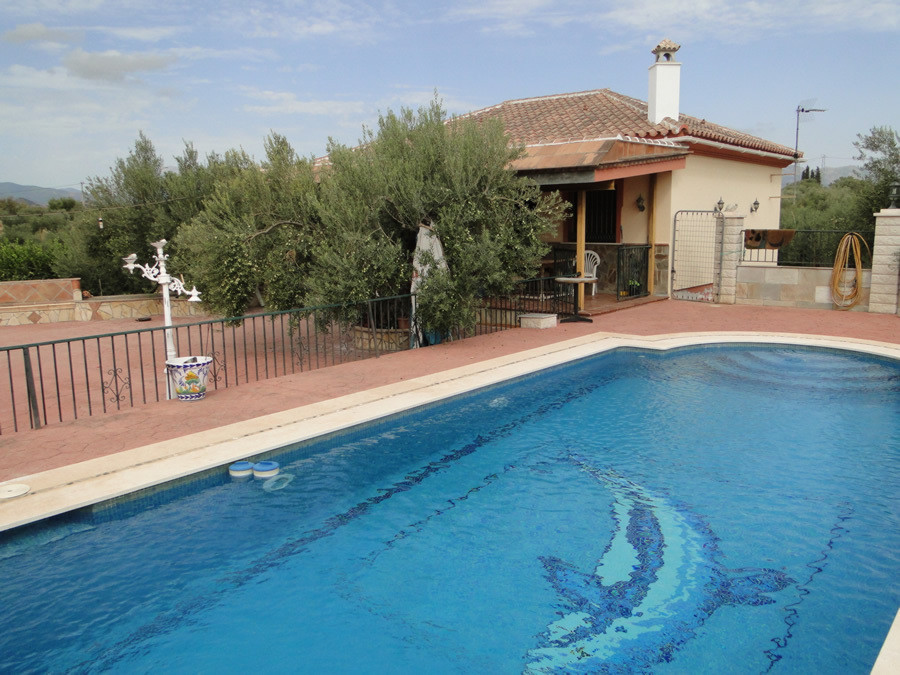 Traditional Spanish finca on a private & well managed plot.  The main house has 2 bedrooms, 1 ba,Spain