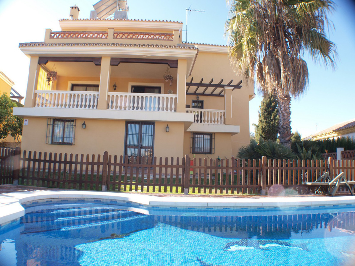 In Coin, Guadalhorce Valley, you will find this charming villa. Where tranquility and good taste com,Spain