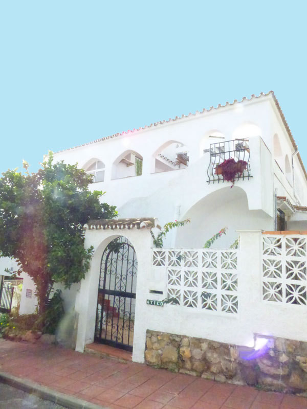 In a pleasant and quiet residential area of ??Benalmadena Costa, beautiful opportunity to acquire an,Spain