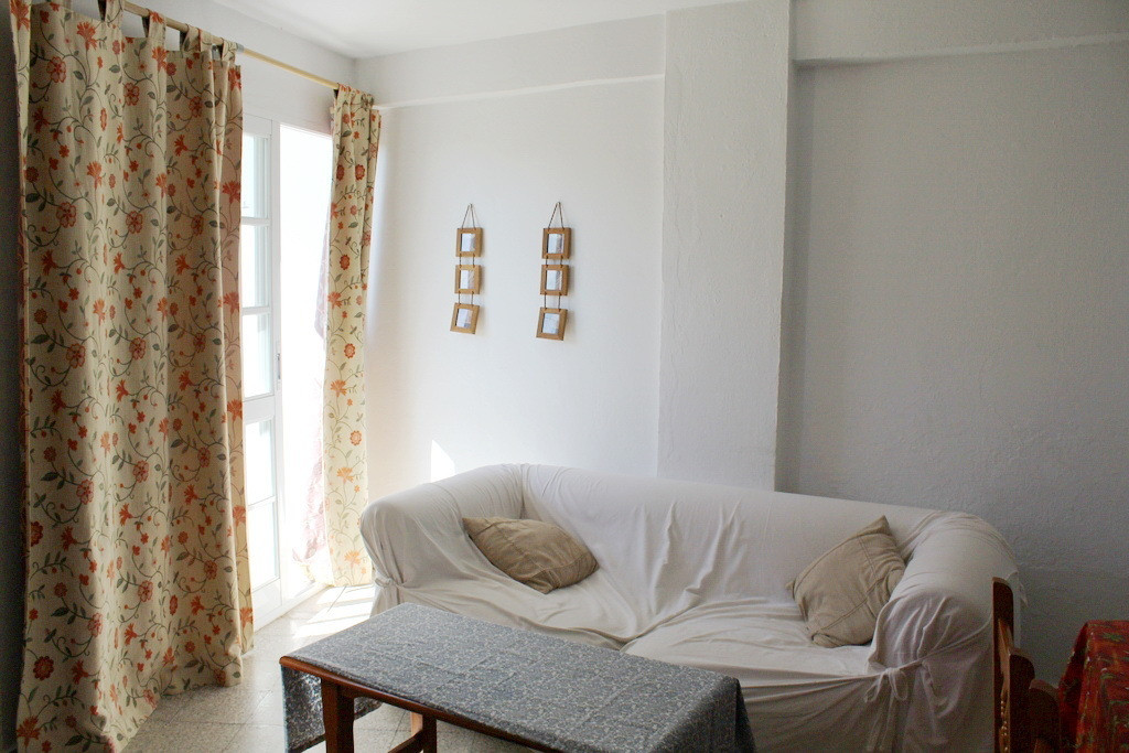 Bright and comfortable apartment Beach in Torreguadiaro, which consists of two spacious bedrooms, on, Spain