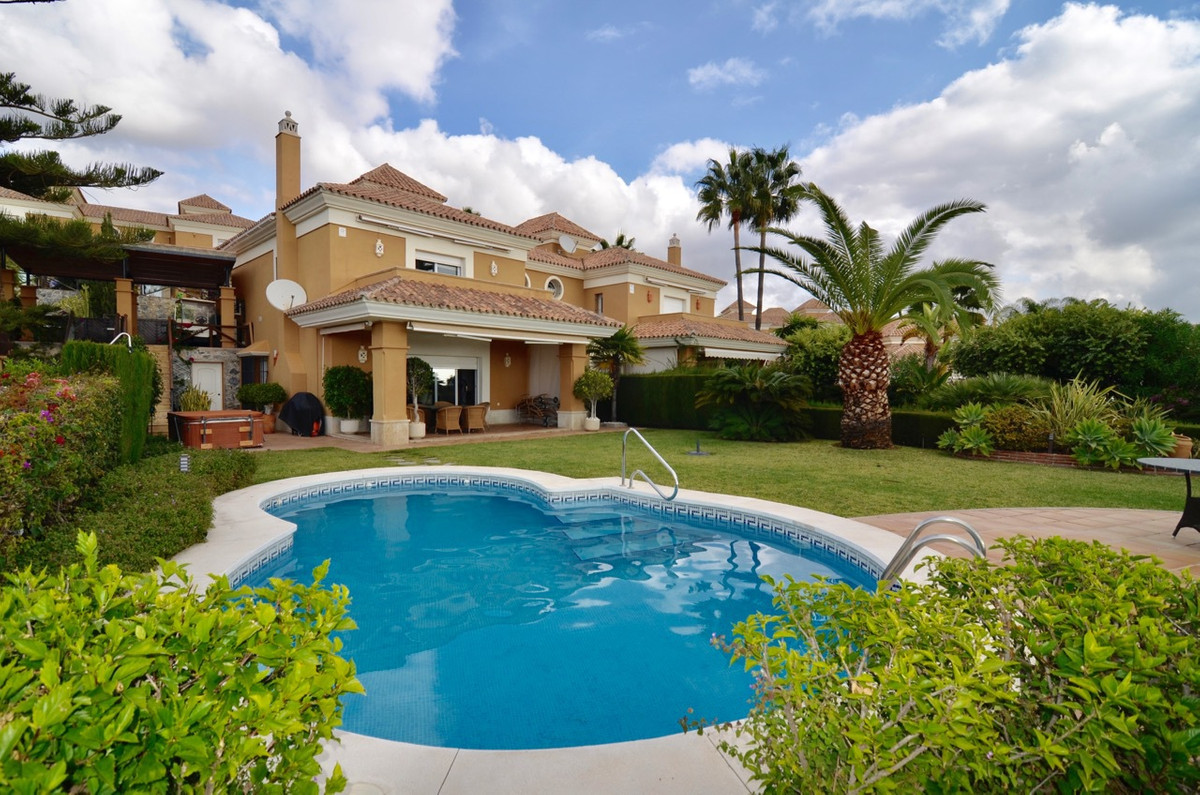 Great Semi-detached House Close to Marbella. Has been built to high standards, renovated kitchen and,Spain